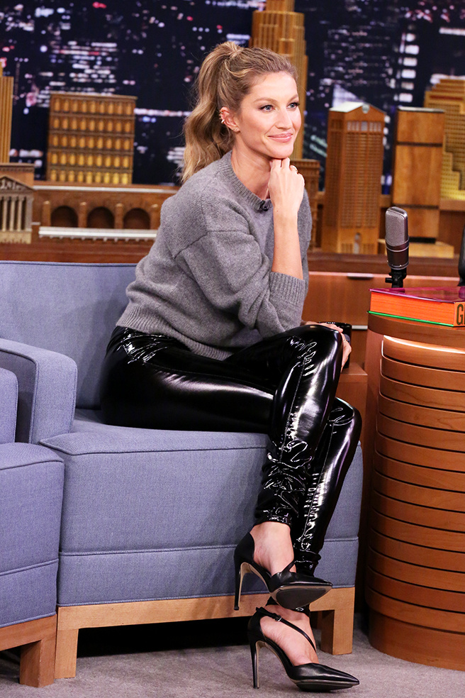 Вінілові брюки