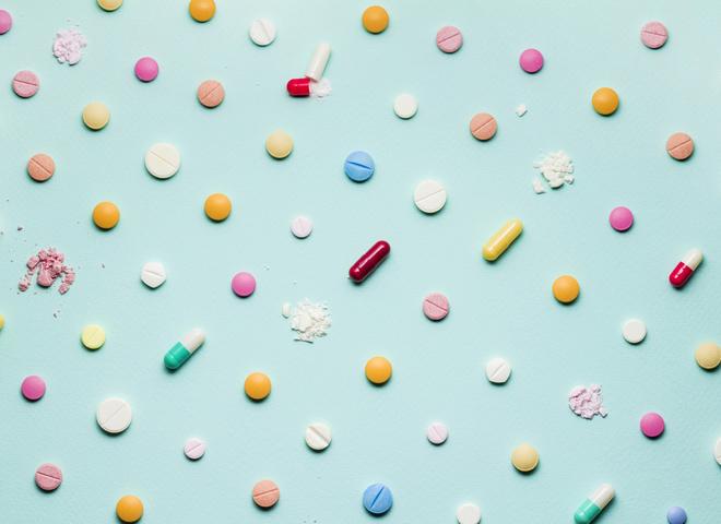Бактерии. Таблетки. Медицина
