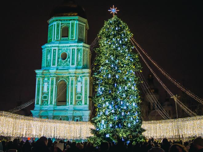 Найкрасивіші різдвяні ялинки 2018: Київ