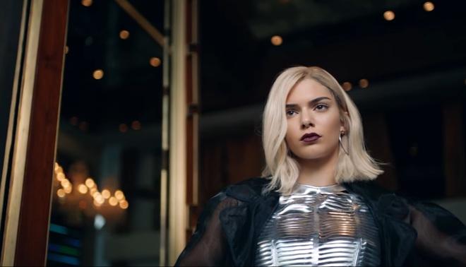 Кендалл Дженнер в видео ролике Pepsi