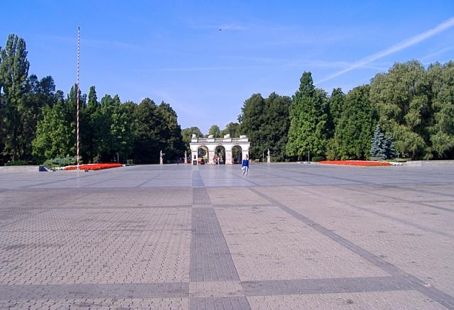 5 найбільших міських площ у світі: Площа маршала Юзефа Пілсудського, Варшава, Польща