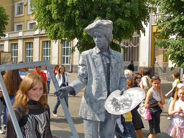 Живі скульптури: Україна