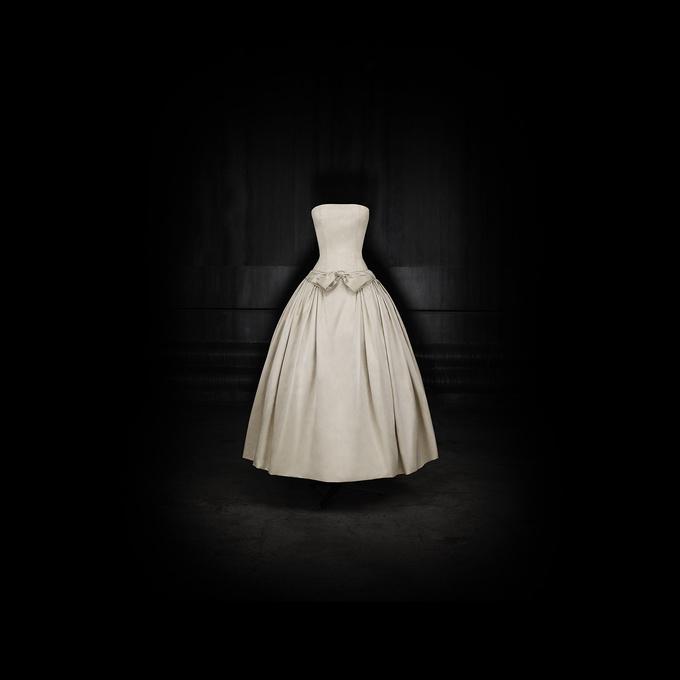 Виставка Dior
