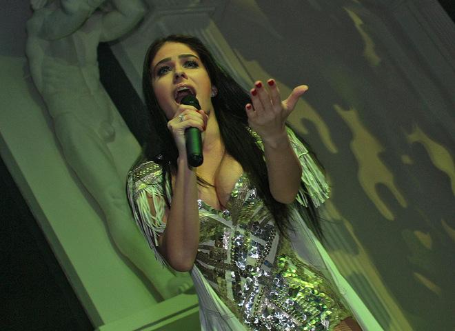 Маша Собко вышла на сцену в купальнике