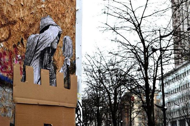 Стріт-арт на вулицях Парижа: нові роботи Чарльза Леваля