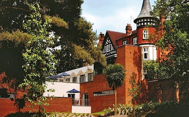 ТОП готелів із привидами: Macdonald Berystede Hotel & Spa