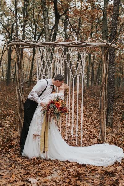 Выездная церемония: 15 свадебных арок, при виде которых ты захочешь замуж