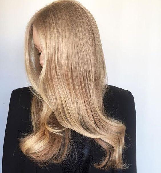 Колір волосся, який молодить