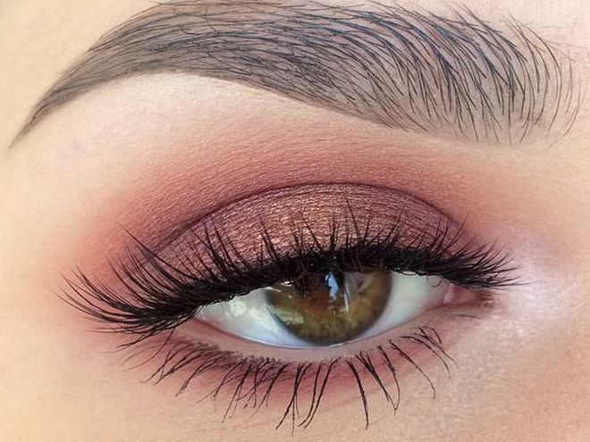 Макияж глаз: пудровый цвет