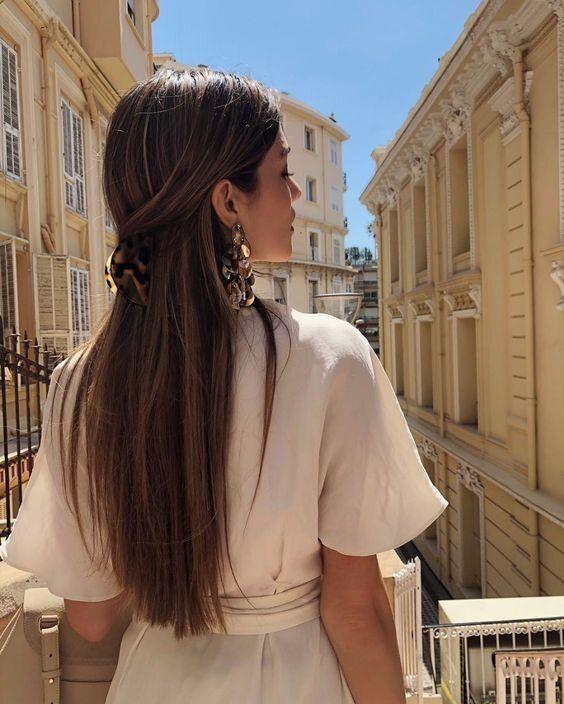 Прості зачіски в офіс на довге волосся