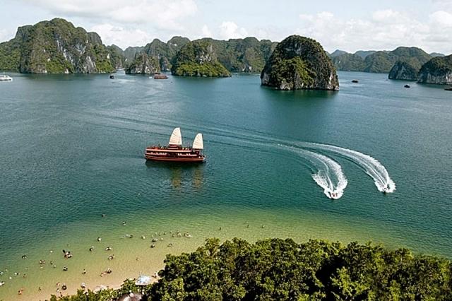 Бухта Ха Лонг у В'єтнамі