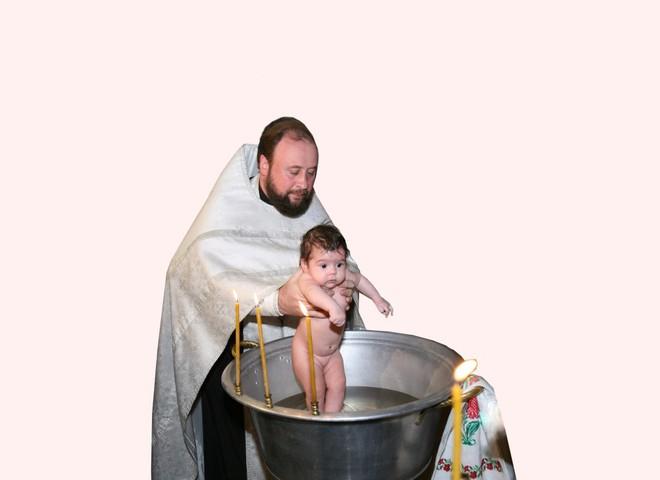 У малыша – два крестных папы и две крестных?