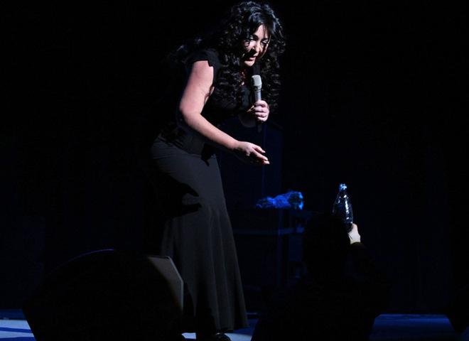 Литвинкович на концерте Лолиты обливался водой
