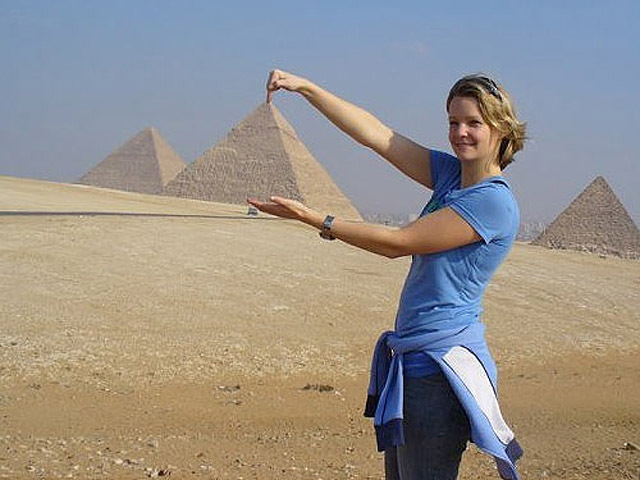 Найсмішніші фото українців за кордоном: Єгипетські піраміди