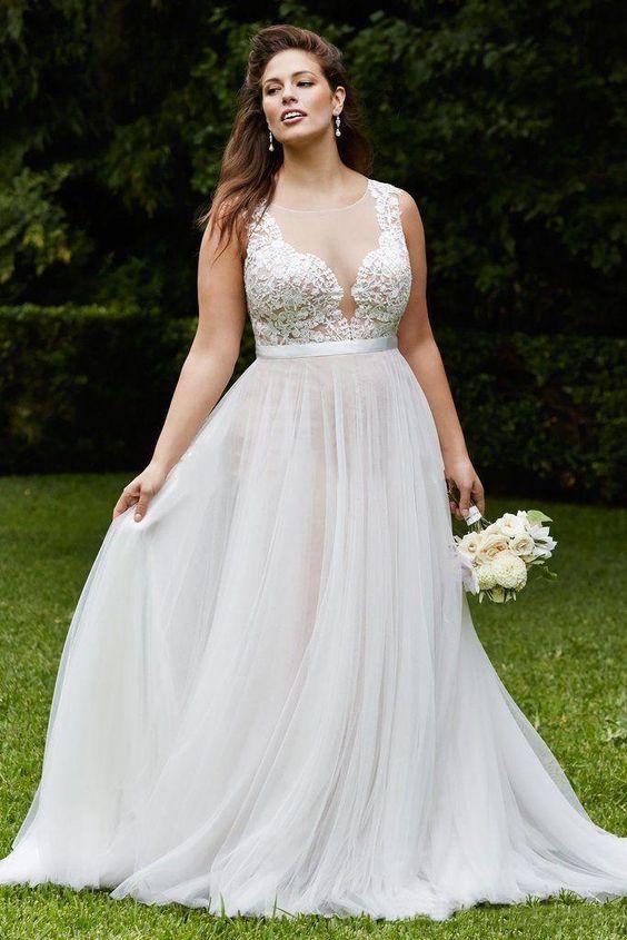 Модные свадебные платья для девушек с пышными формами