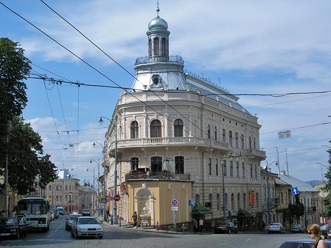 Архітектурні пам'ятки Чернівців. Будинок-корабель