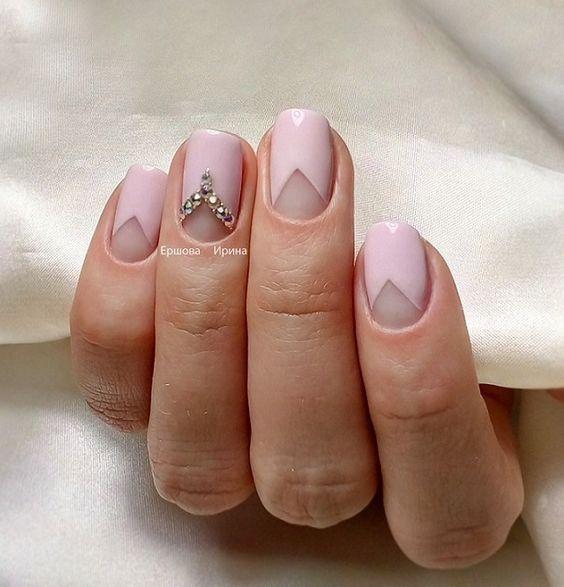 Маникюр для коротких ногтей 8 Марта