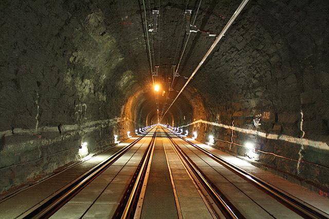 Найдовші автомобільні тунелі світу: Арльбергський тунель, Австрія