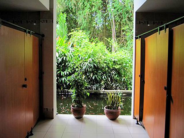 Общественные туалеты разных стран: Сингапур