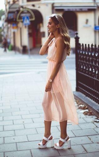 Тренд літа 2016: сандалі на платформі