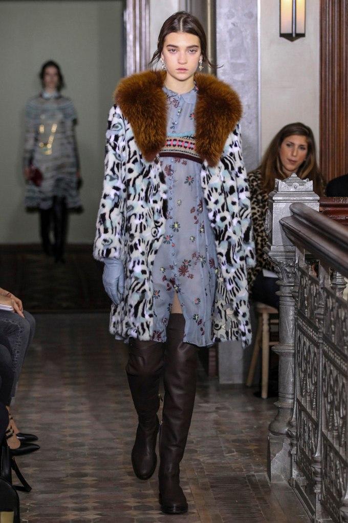 Українська модель дефілювала на показі Valentino