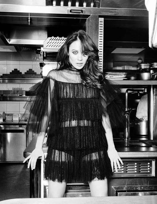 Ольга Куриленко для Vogue Spain
