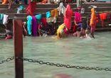 Омовения в Ганге - Харидвар, Индия