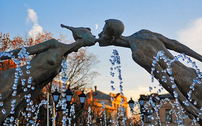День Святого Валентина: Харків (пам'ятник закоханим)