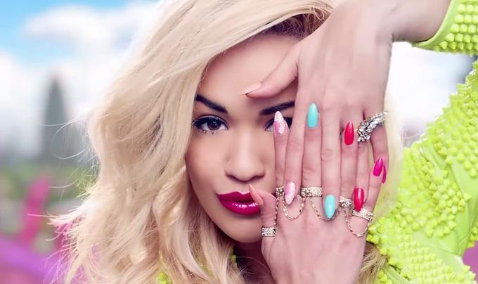 Рита Ора в рекламному відео Rimmel