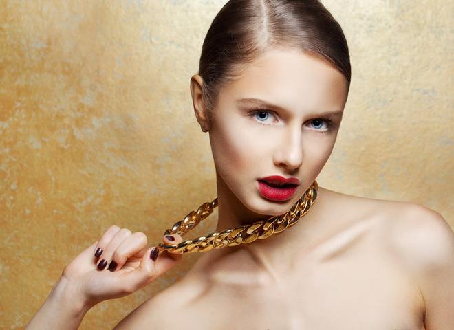 Чому золото залишає чорні сліди на шкірі