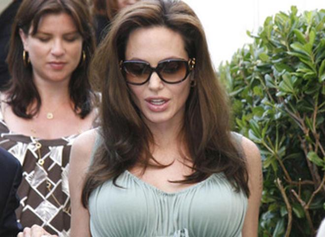 поддельное фото Джоли