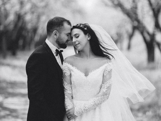 Джамала весільну сукню
