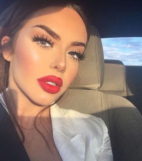 Бьюти-тренды в макияже, которые вышли из моды