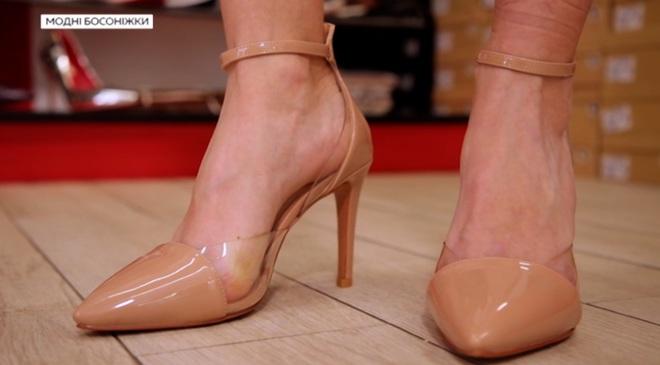 Стилист рассказала о самой модной обуви этого лета