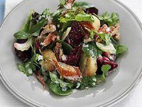 Простой салат из вареной свеклы