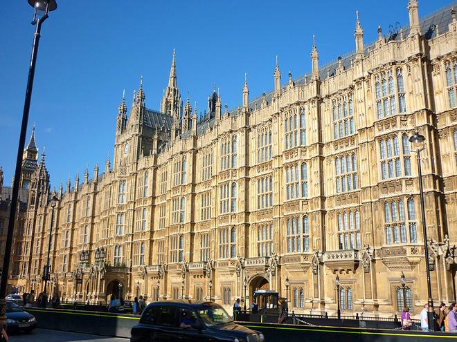 Где туристу почувствовать себя депутатом: Парламент Великобритании, Вестминстерский дворец