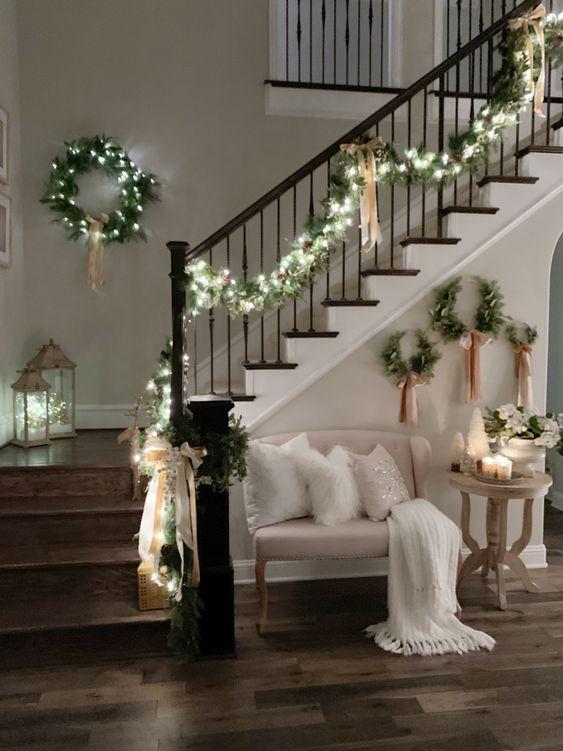 Декор сходів до нового року