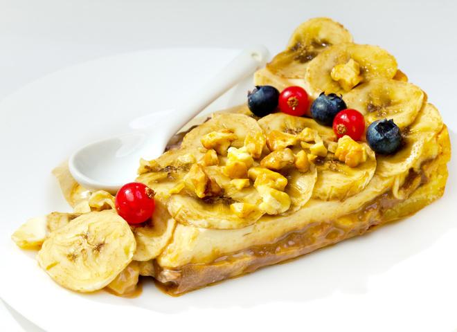 Банановый торт без выпечки: очень быстрый рецепт