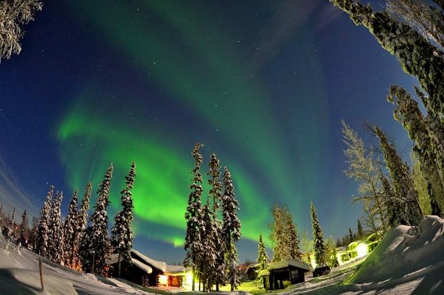 Что нужно увидеть зимой: Северное сияние в Финляндии