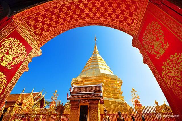 Чианг-Май фото: храм Ват Пратат Дои Сутеп