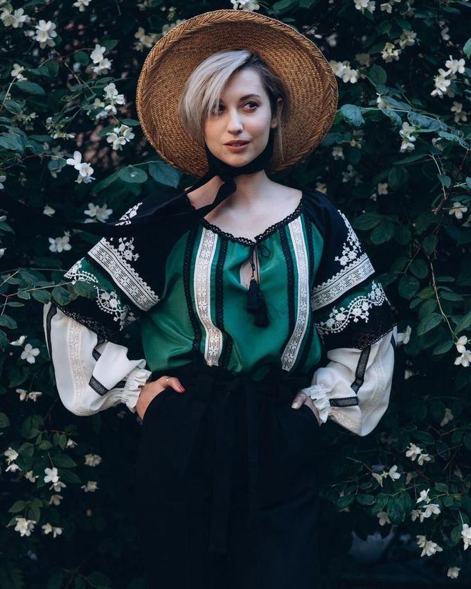 SVITLO — современный украинский бренд национальной одежды