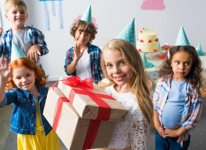 Збір подарунків до Дня святого Миколая дітям з прифронтової зони