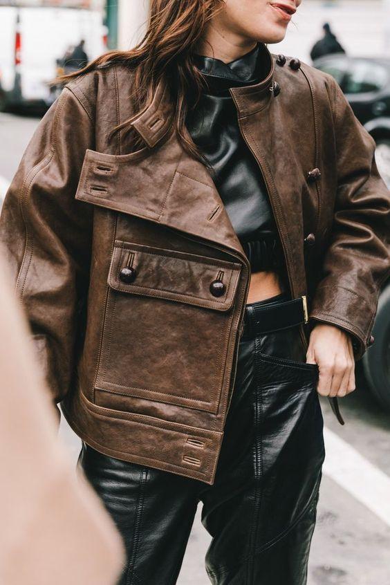 Косуха і шкіряний піджак — тренд весни 2021