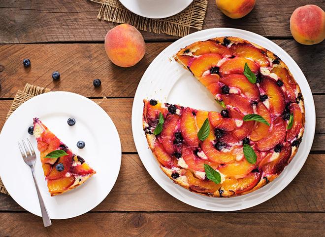 Пирог с персиками: рецепт нежнейшего десерта