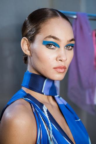 макияж на выпускной: голубые оттенки