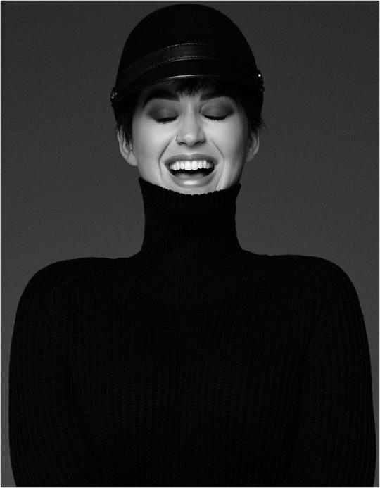 Кеті Перрі похвалилася сексуальними формами на сторінках Vogue Japan