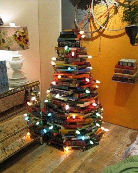 10 идей для оригинальной елки из подручных средств