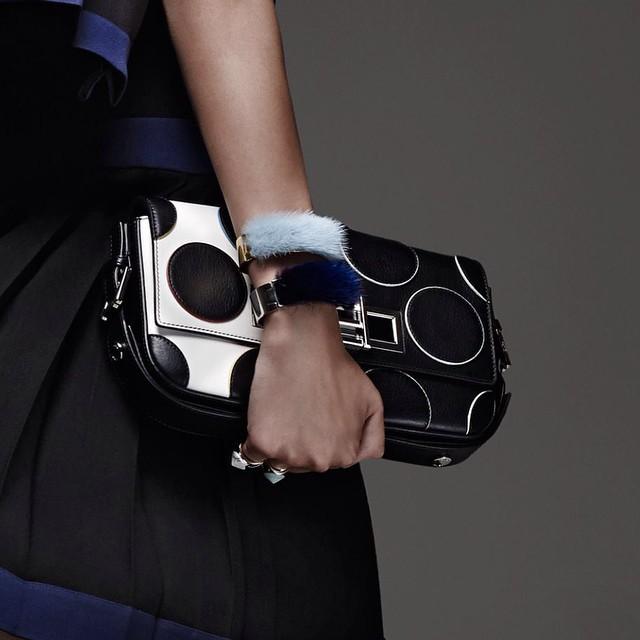 Новая версия сумки Fendi Baguette