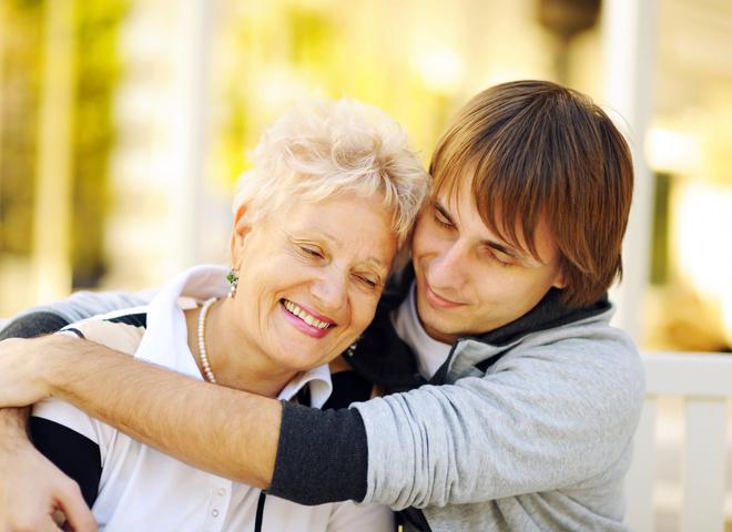 Почему мужчинам нравятся женщины постарше