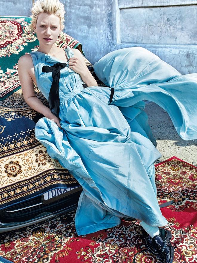 Миа Васиковска в фотосессии для C Magazine
